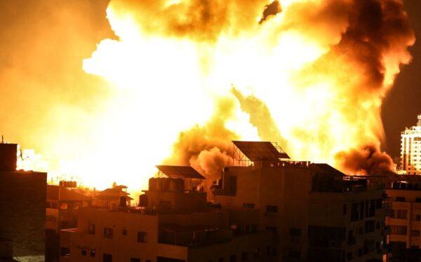 不理停火呼声 哈玛斯火箭猛轰 以色列空袭以对