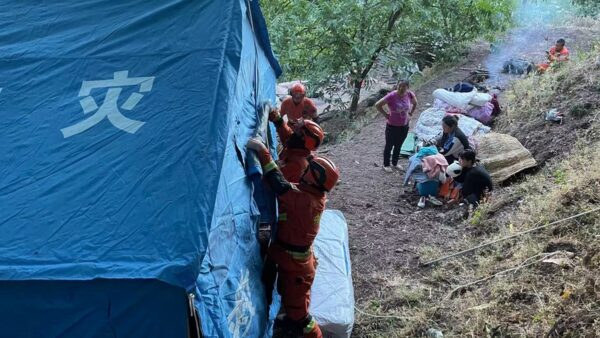 云南地震40余次已致30人死伤 多趟列车停运