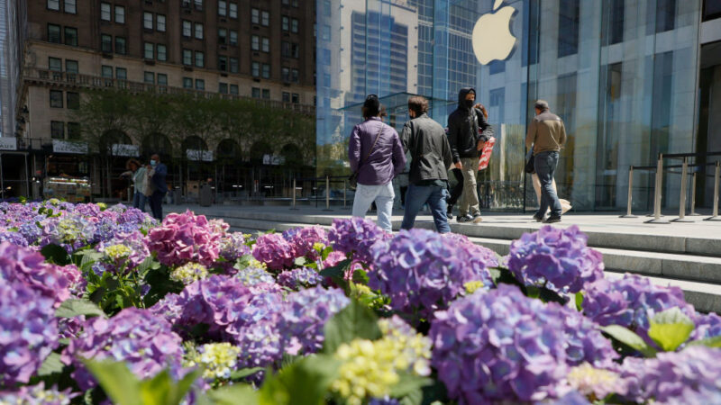 美媒批苹果屈从中共:捍卫人权 还是做赚钱机器?