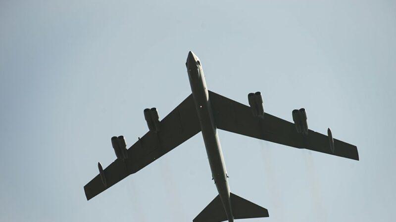 保护部队撤离阿富汗 美增派轰炸机战斗机