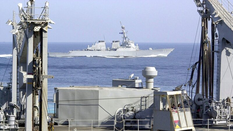 美艦大陣仗高調穿越台海 中共跳腳反對