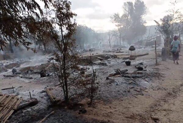 缅甸军方纵火烧村 200民宅成灰烬2老人被烧死