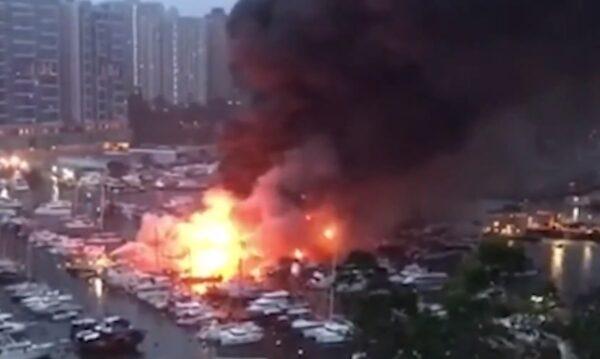 香港火燒連環船 烈燄席捲半空伴隨爆炸巨響