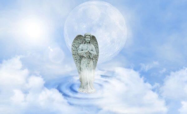 天堂的奇遇:見到耶穌和巨大天使