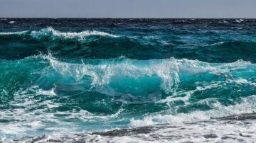 海水很鹹 喝了會發生什麼事?