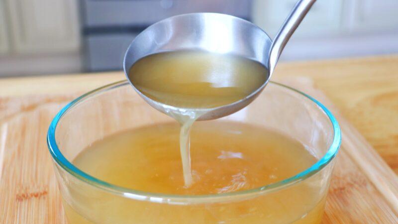 【美食天堂】鸡骨高汤做法:使用厨房下脚料 做出最美味的高汤