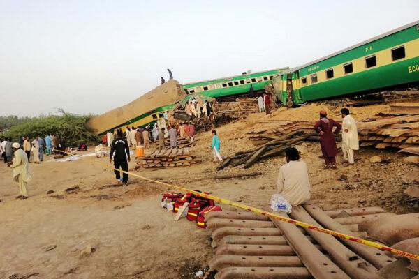 巴基斯坦2列车追撞至少25死