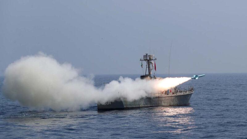 伊朗海军船训练起火 战机起飞故障2飞行员重摔不治