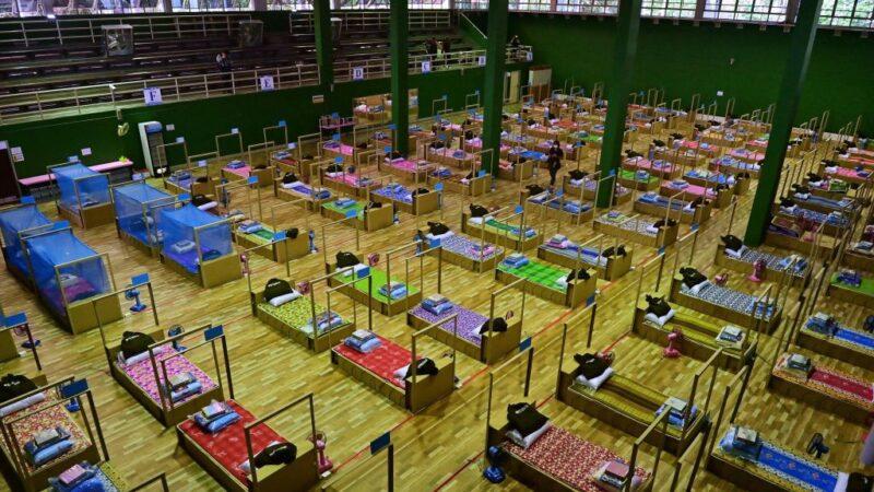 曼谷疫情攀升 病床告急 无症状患者将在家隔离