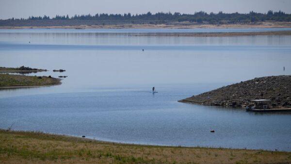 消失56年 美国一架飞机残骸重见天日