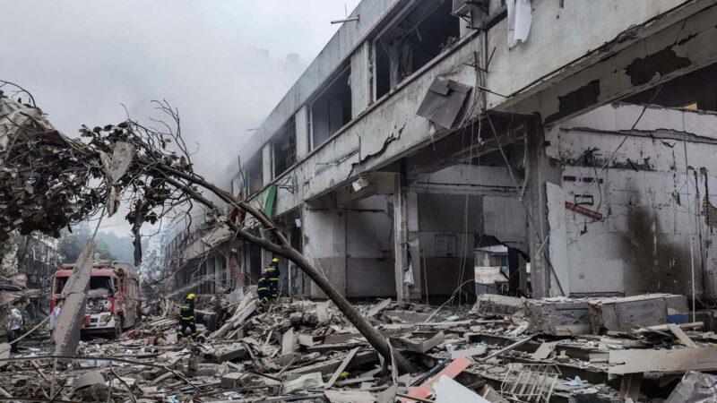 湖北十堰市场爆炸 官宣25死 网传死伤数百