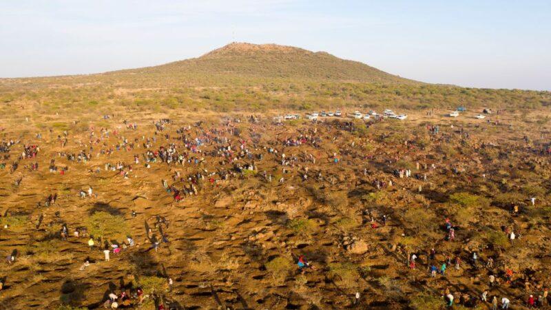 南非贫困村发现钻石 鉴定后为石英 村民沮丧