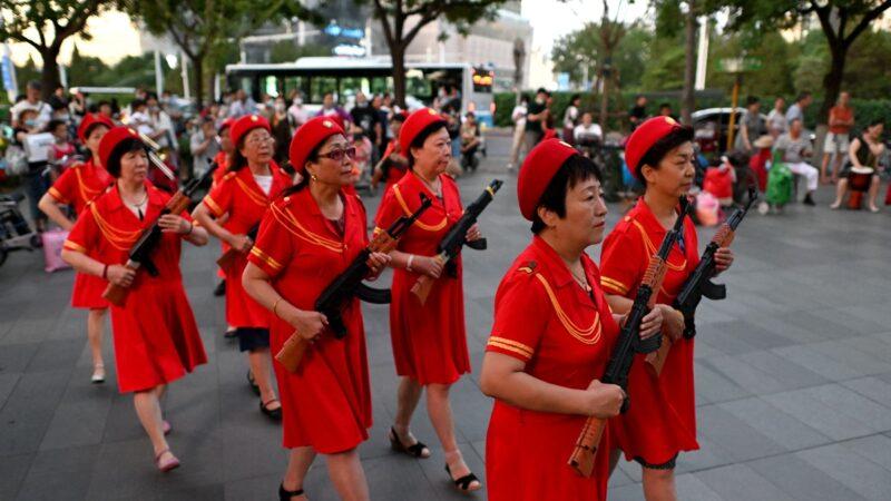 組圖:中共黨慶草木皆兵 滿街「朝陽群眾」