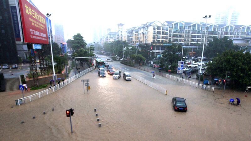 疫情未去暴雨又来 深圳宣布全市停课
