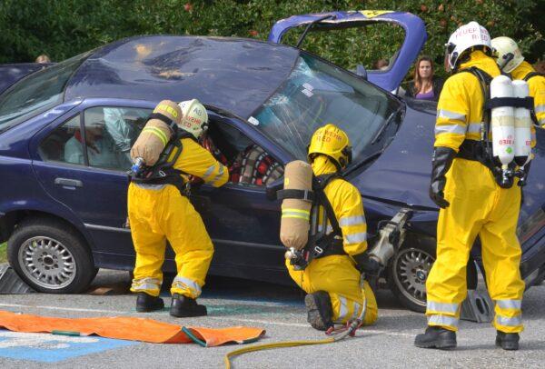 心碎! 英消防员抢救车祸 惊见女儿命丧轮下
