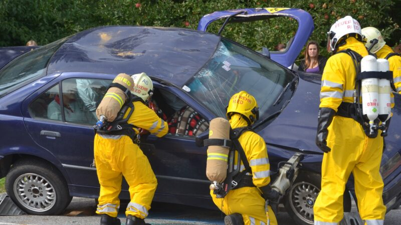 心碎! 英消防員搶救車禍 驚見女兒命喪輪下