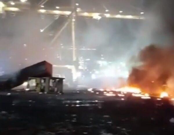 廸拜港貨櫃船爆炸起火 強烈震動撼動15公里遠
