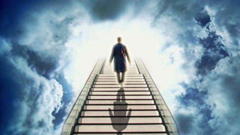死亡20分钟灵魂出窍的经验 改变他的一生