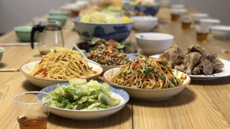 中国人吃饭的老规矩 你懂得多少?