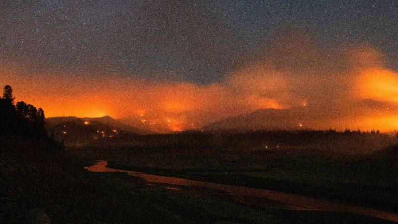 加州野火衝上公路 自行車賽被迫取消