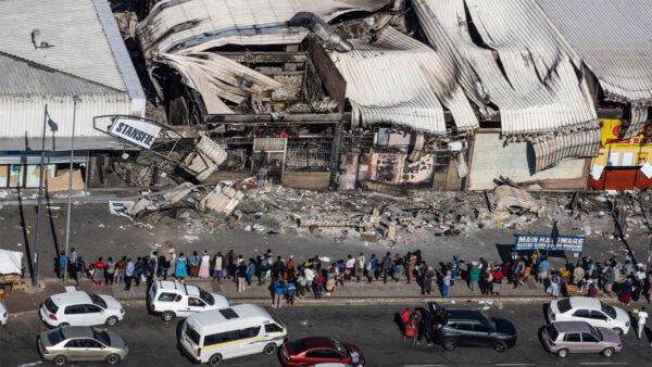 南非正走向崩溃 活动家警告美国吸取教训