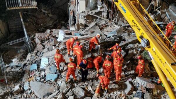 蘇州飯店倒塌17死 房客:一碗蘭州拉麵救了我