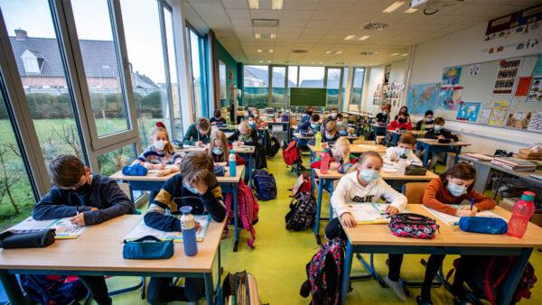 最新研究:CO2含量高 不應強迫兒童戴口罩