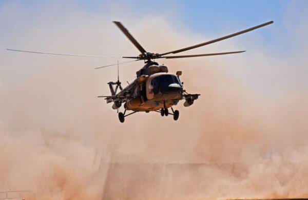 伊拉克直升机被地面炮火击落 5军人死亡(视频)