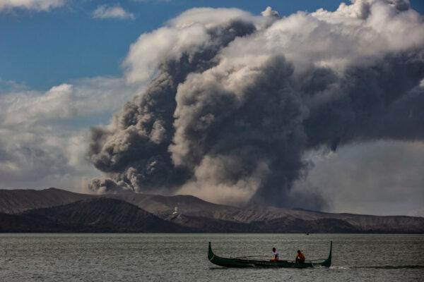 菲律賓塔爾火山噴發 致毒霧霾瀰漫居民逃離家園