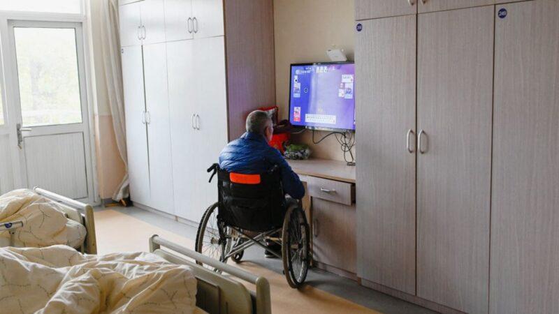 北京暴雨袭击 老年公寓坍塌 5名老人被砸死