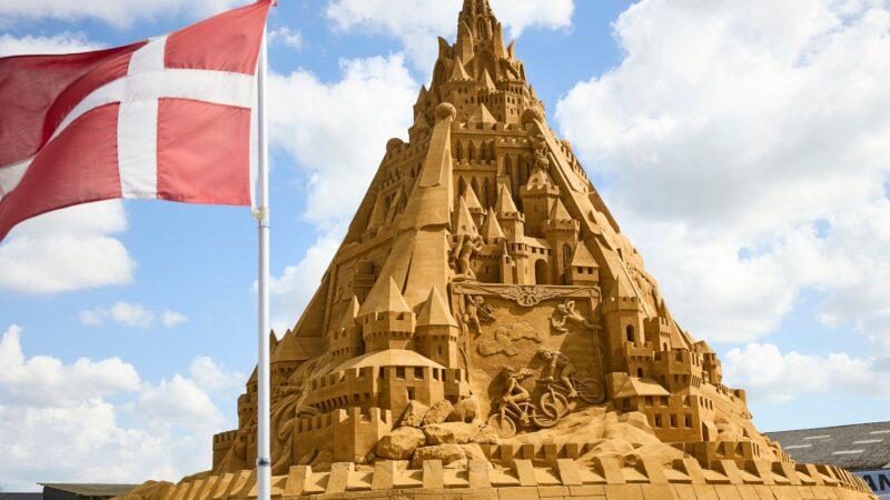 世界最高沙雕城堡21米高 靈感來自疫情