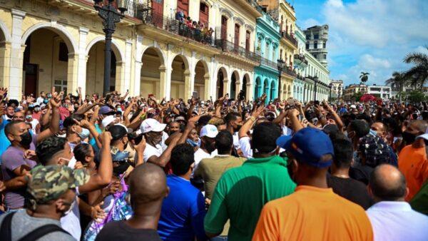 毒枭菲德尔卡斯特罗和古巴问题的真相