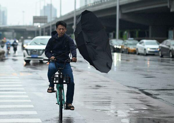 周晓辉:暴雨地震瘟疫频现 习近平或一语成谶