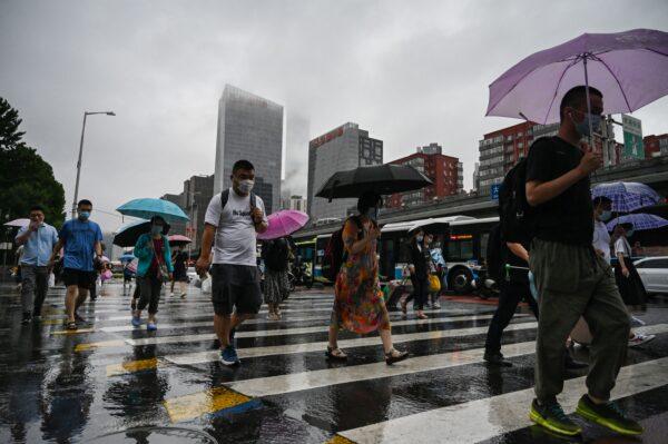 京津冀等地持續暴雨 江南等地高溫局部地區超40℃
