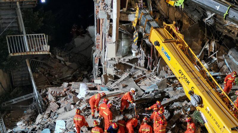 惨!苏州酒店坍塌17人死 墙体3年前已裂缝