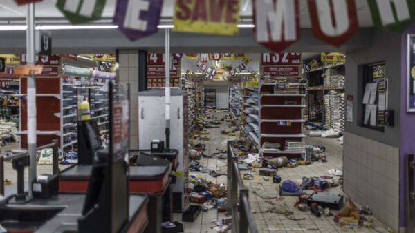 南非骚乱华商成抢掠目标 学者指祸源在中共政府