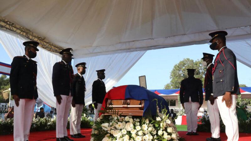 海地前總統國葬 場外驚傳槍響 美代表團急撤