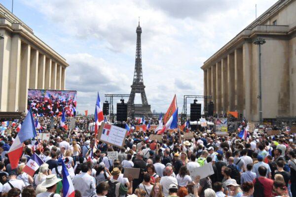 不满防疫新制 欧洲和澳洲出现示威抗议