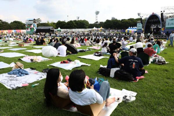 韓國日新增1615例創單日新高 民眾搶打疫苗