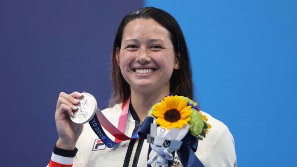 何詩蓓奧運奪銀  香港本土運動員身分引發糾紛