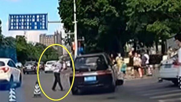 """广州商务车加速冲入人群 官称司机""""操作不当"""""""