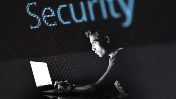 黑客襲擊17國數千企業 索要7000萬贖金換解碼器