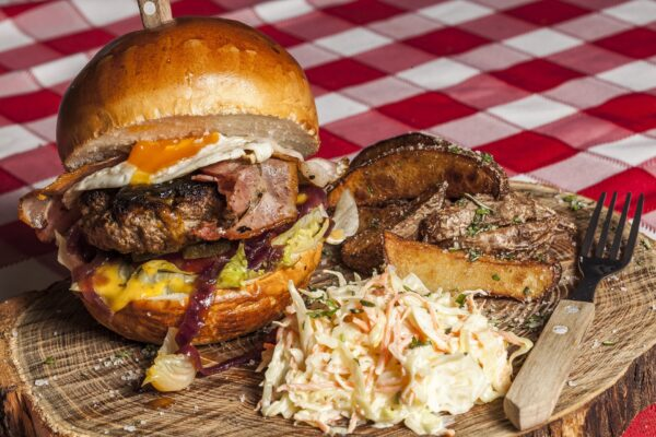 吃完手會變金色的! 世界最貴漢堡要價5000歐元
