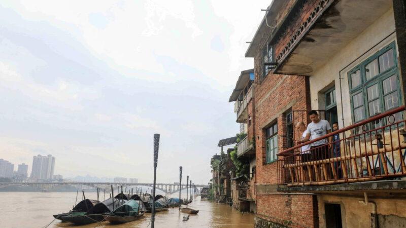 鍾原:黨慶為先 洪水氾濫災區不見高層影子