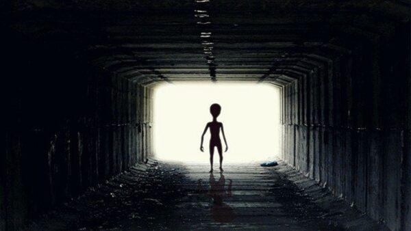 男子曾被外星人綁架 批美UFO報告細節太少