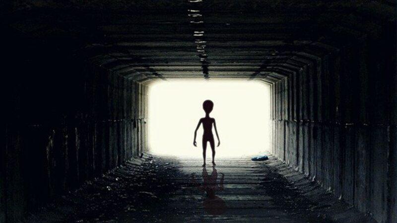 男子曾被外星人绑架 批美UFO报告细节太少