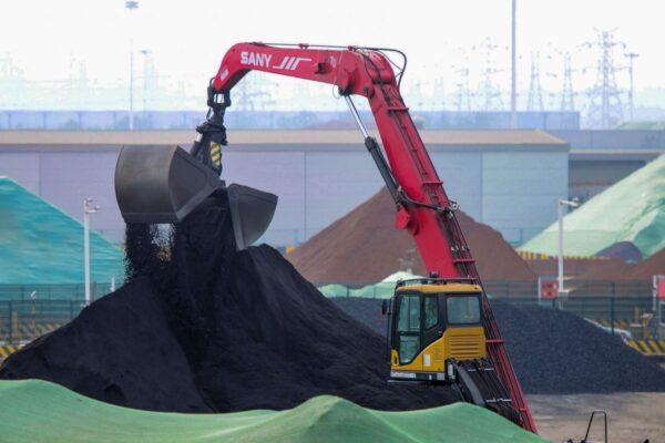 鋼廠限產 需求減弱 鐵礦石價格暴跌40%