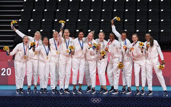 张炣:美国女排夺冠给中共女排及中共社会上了一节课
