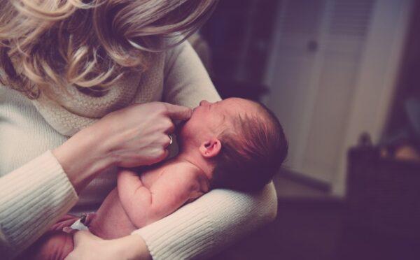 神童剛出生就能說話 被當成妖怪