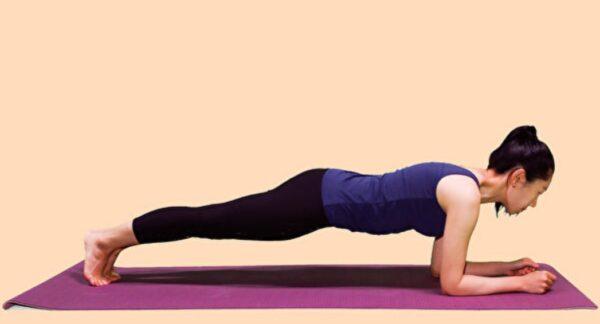 每天做3个动作可瘦小腹 改善胃食道逆流